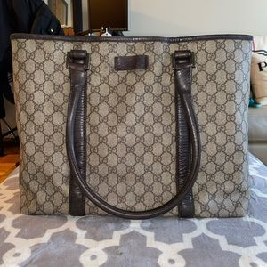 Auth Gucci large thick Gucci supreme canvas bag